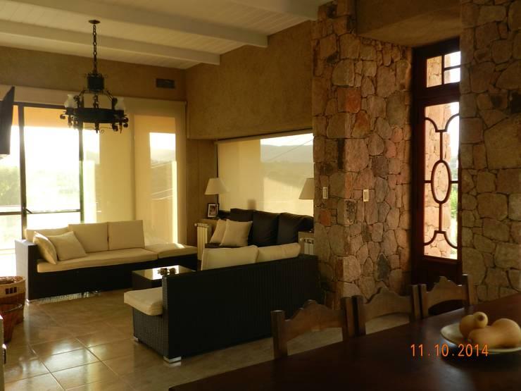 غرفة السفرة تنفيذ ART quitectura + diseño de Interiores. ARQ SCHIAVI VALERIA