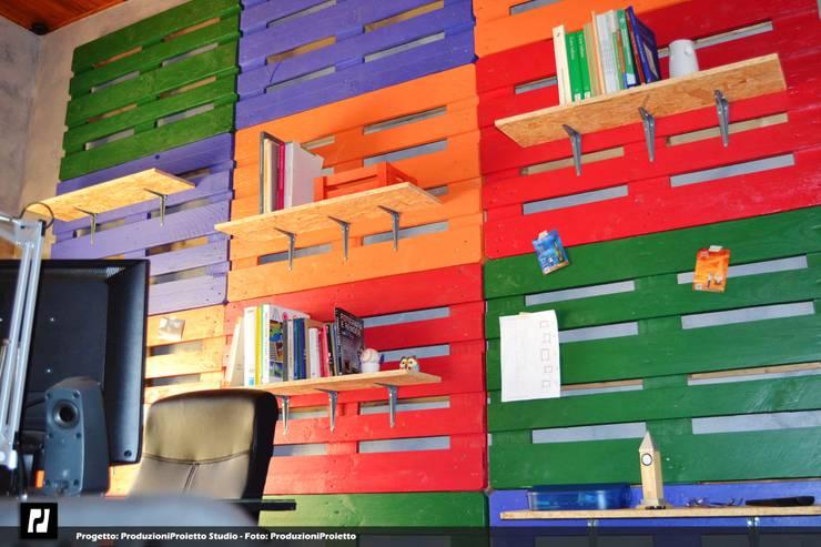 Escritórios e Espaços de trabalho  por Produzioni Proietto