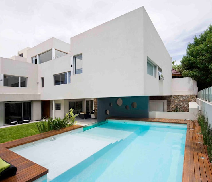 Casa Devoto: Casas de estilo  por Remy Arquitectos