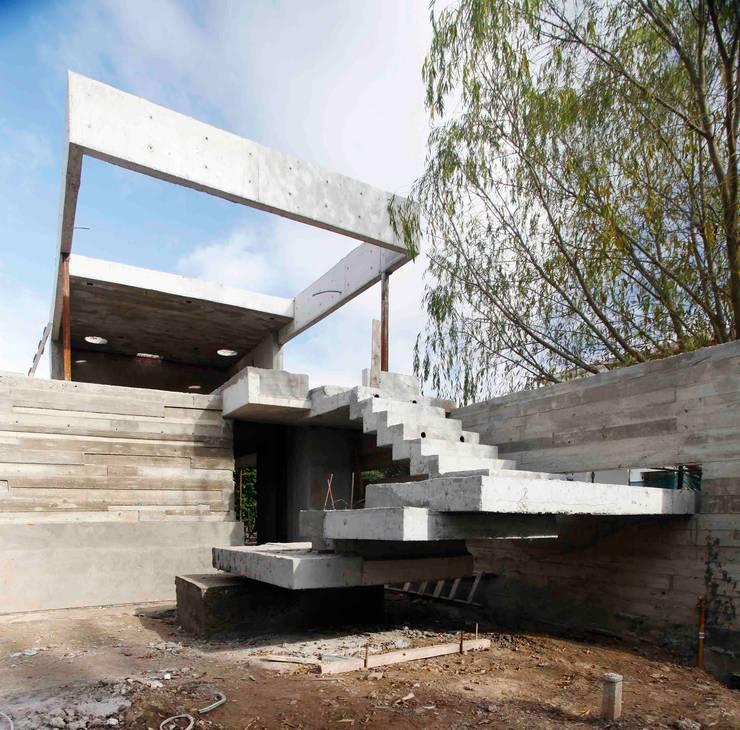 Casa Náutica: Jardines de estilo  por Remy Arquitectos