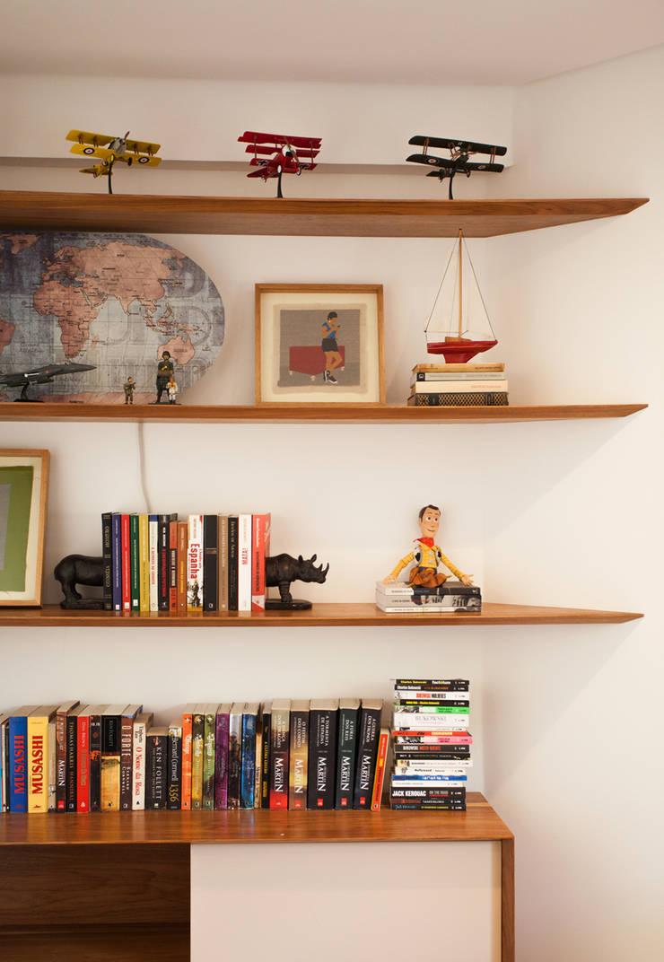 Apartamento FR: Escritórios  por F studio arquitetura + design,