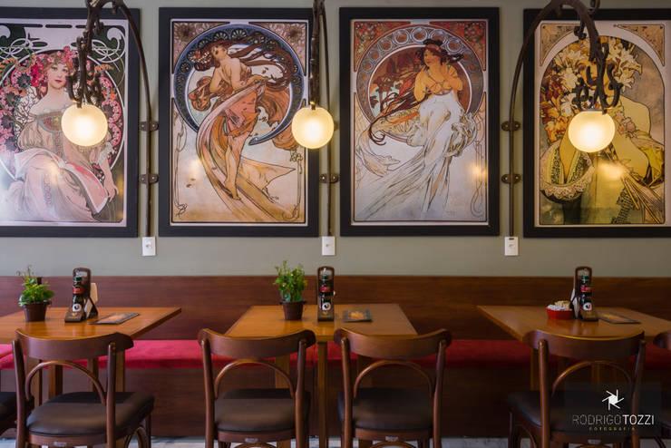 Café Souless: Bares e clubes  por MMMundim Arquitetura e Interiores,