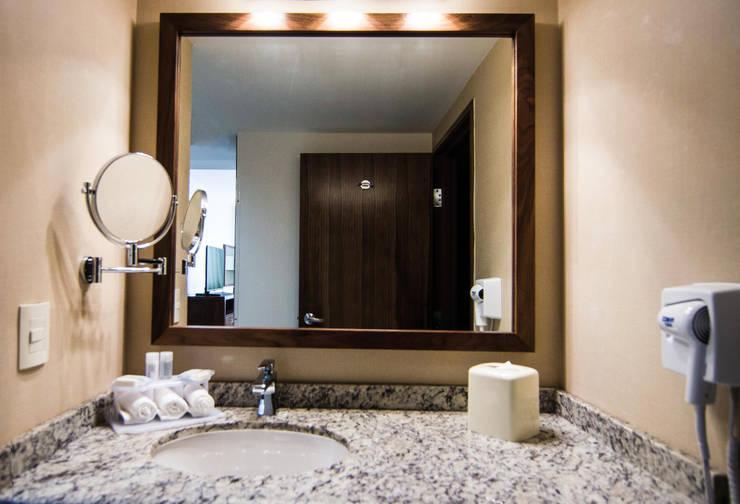 Vanity: Baños de estilo  por diesco
