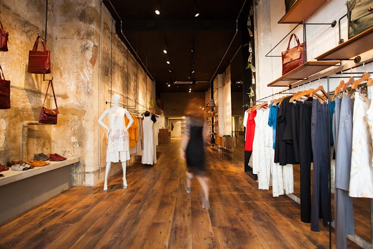 Loja Angela Brito e tarsila: Lojas e imóveis comerciais  por F studio arquitetura + design,