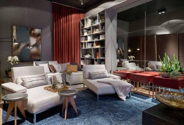 Decora Líder Belo Horizonte - Home Cinema: Salas de estar modernas por Lider Interiores
