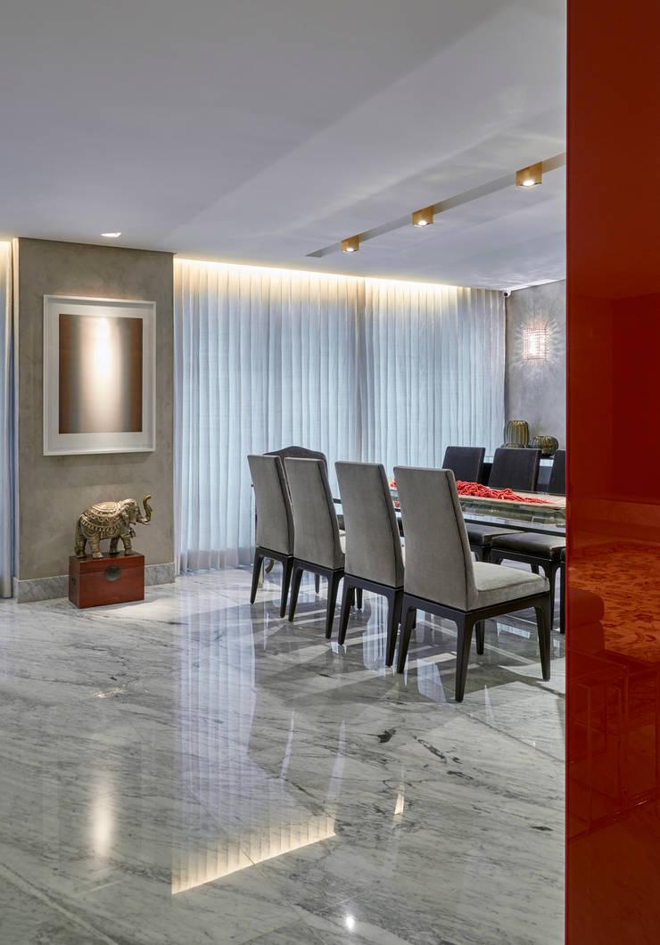 Apartamento MV: Salas de jantar  por Isabela Canaan Arquitetos e Associados,Moderno