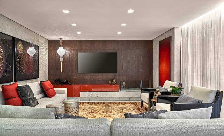 modern Living room by Isabela Canaan Arquitetos e Associados