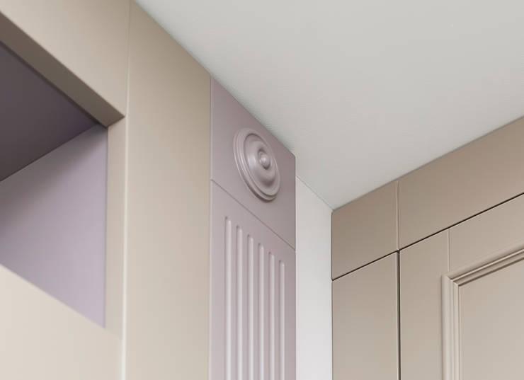 Элементы обшивки ниш в гостиной : Гостиная в . Автор – PM studio,