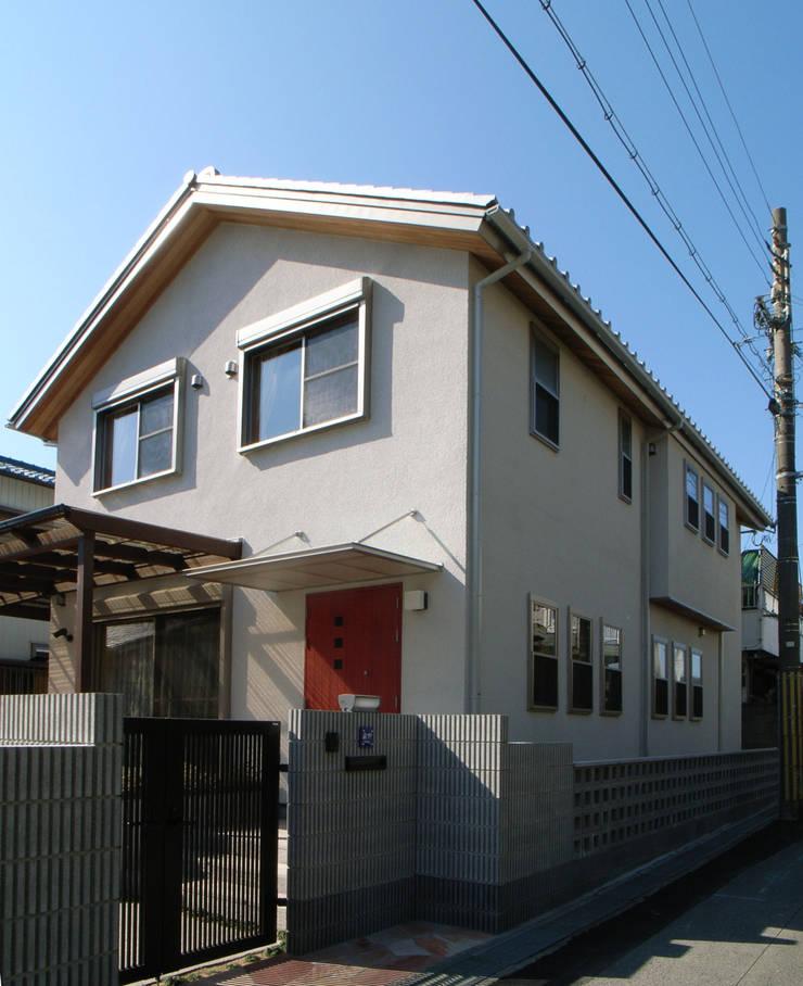 紀三井寺の家: 株式会社 atelier waonが手掛けた家です。
