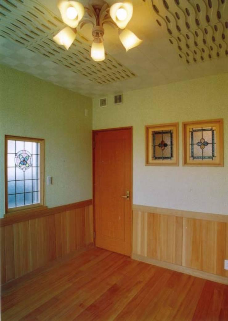 東香里の家: 株式会社 atelier waonが手掛けた和室です。