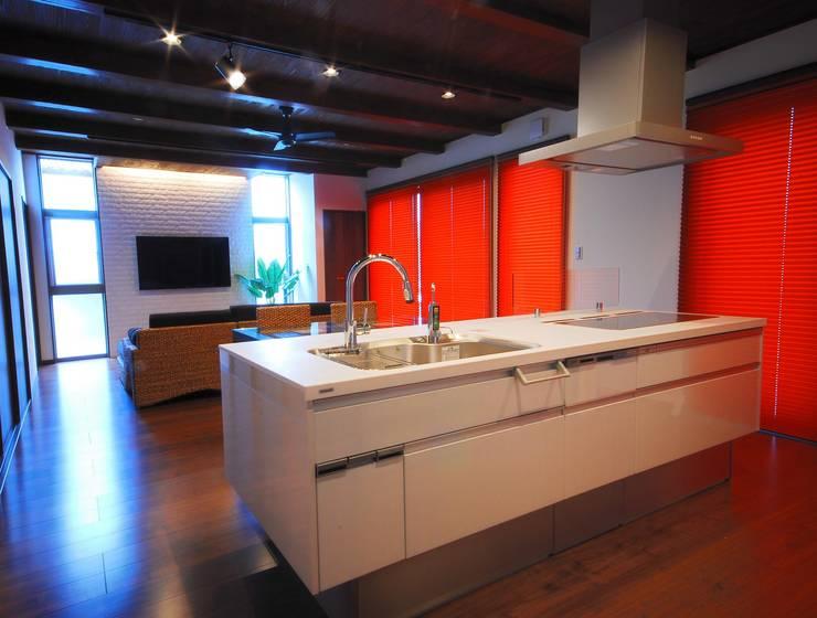プライベートテラスのある家: 一級建築士事務所  馬場建築設計事務所が手掛けたキッチンです。