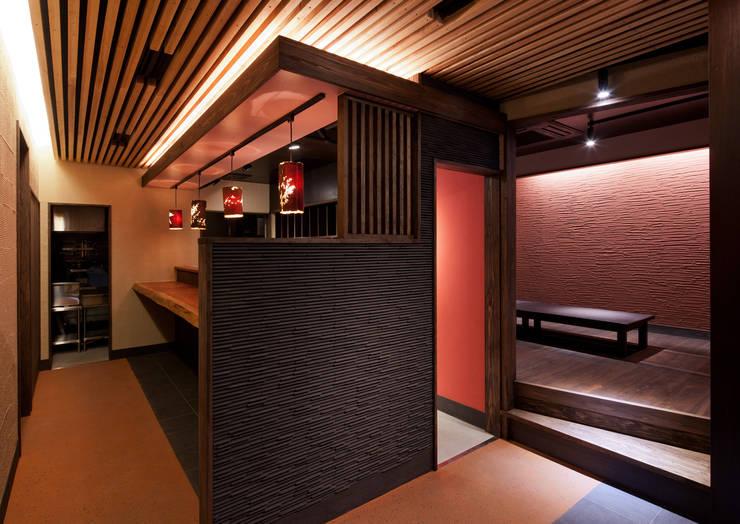 我流串焼き 茶藏: 一級建築士事務所  馬場建築設計事務所が手掛けた商業空間です。