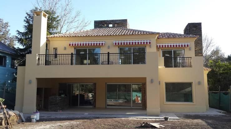 Obras varias: Casas de estilo moderno por thelordar22
