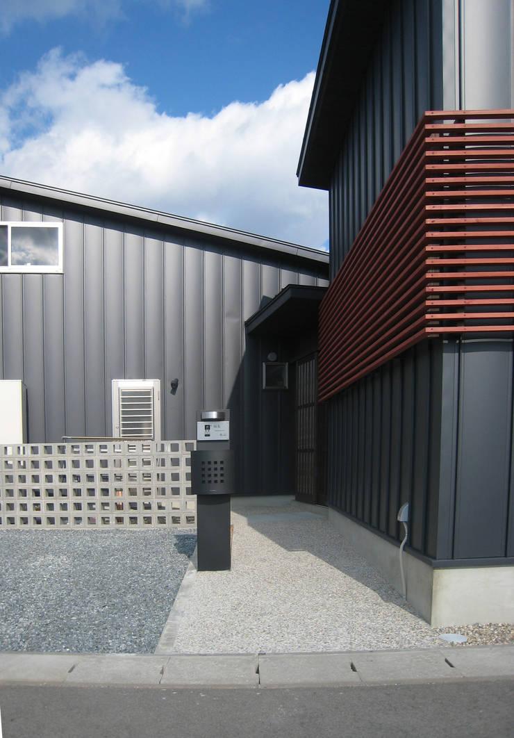 篠山の家: 株式会社 atelier waonが手掛けた家です。