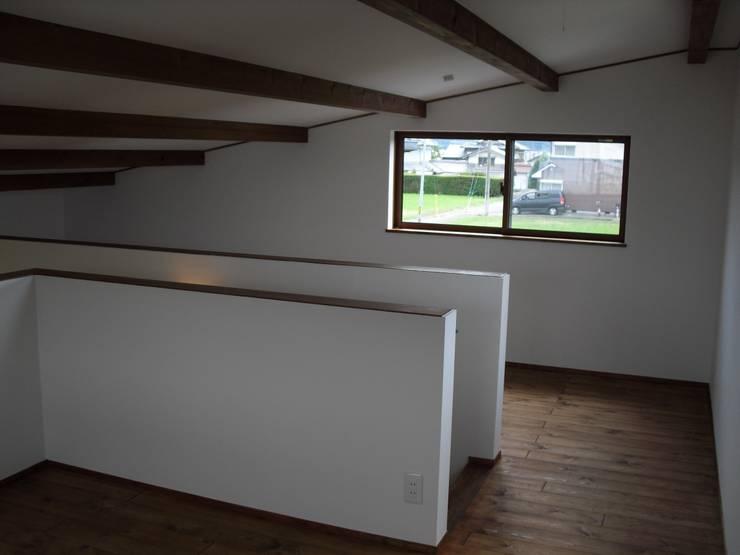 篠山の家: 株式会社 atelier waonが手掛けた子供部屋です。