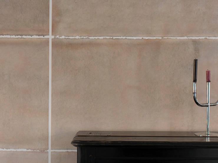 Wandwerk:  Woonkamer door mark de weijer, Modern