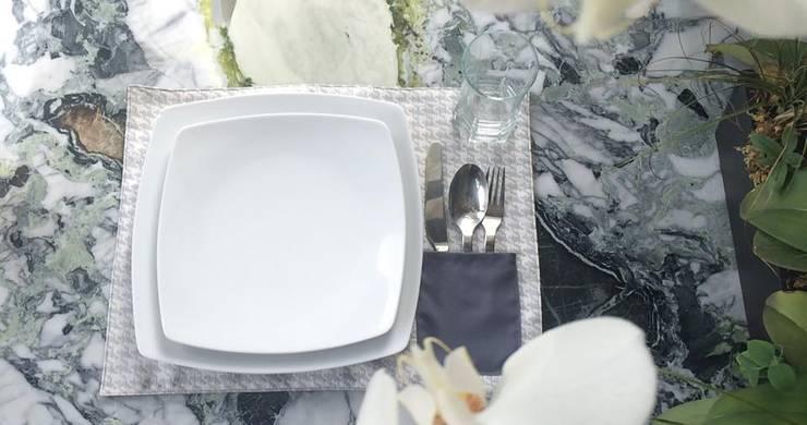 CHIC TABLE: Comedor de estilo  por Chic Table