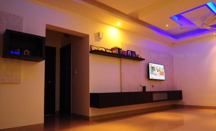 Mr Siddhart Shandilya: minimalistic Living room by Ambiance Design Studio