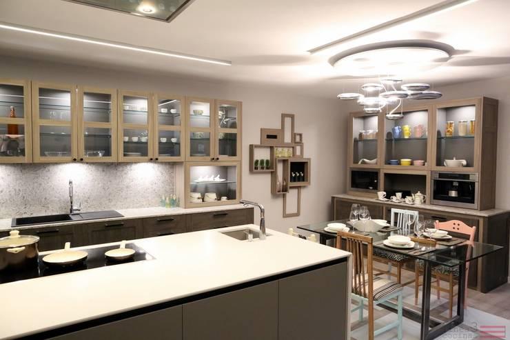 Diseño de Cocina en Casa Decor: Cocinas de estilo  de Línea 3 Cocinas Madrid