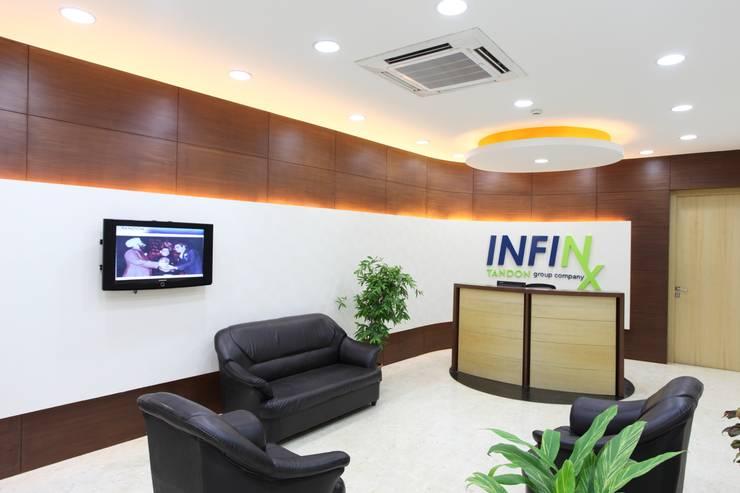Infinx Healthcare Pvt Ltd:  Commercial Spaces by Focusz Designs Pvt Ltd