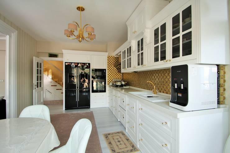 Кухня в . Автор – Murat Aksel Architecture