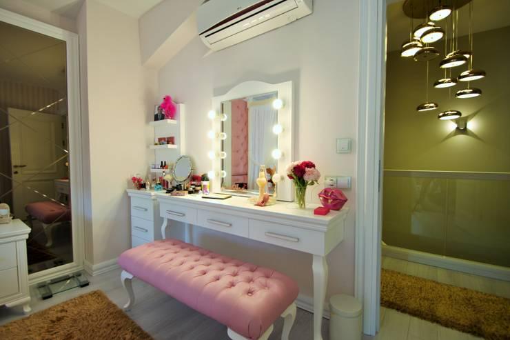 landhausstil Schlafzimmer von Murat Aksel Architecture
