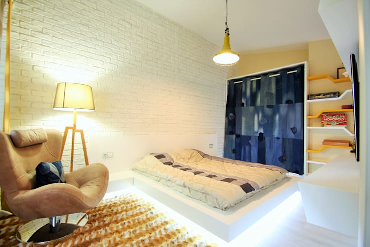 modern Bedroom by Murat Aksel Architecture