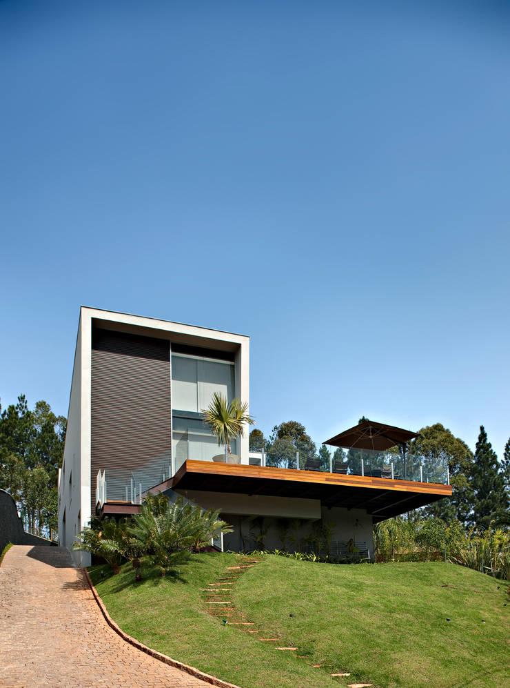 Casa Vila Alpina 02: Casas  por Márcia Carvalhaes Arquitetura LTDA.