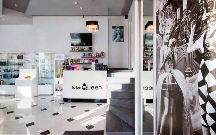 Галерея красоты To Be Queen: Коридор и прихожая в . Автор – Ахитектурная студия B&partners