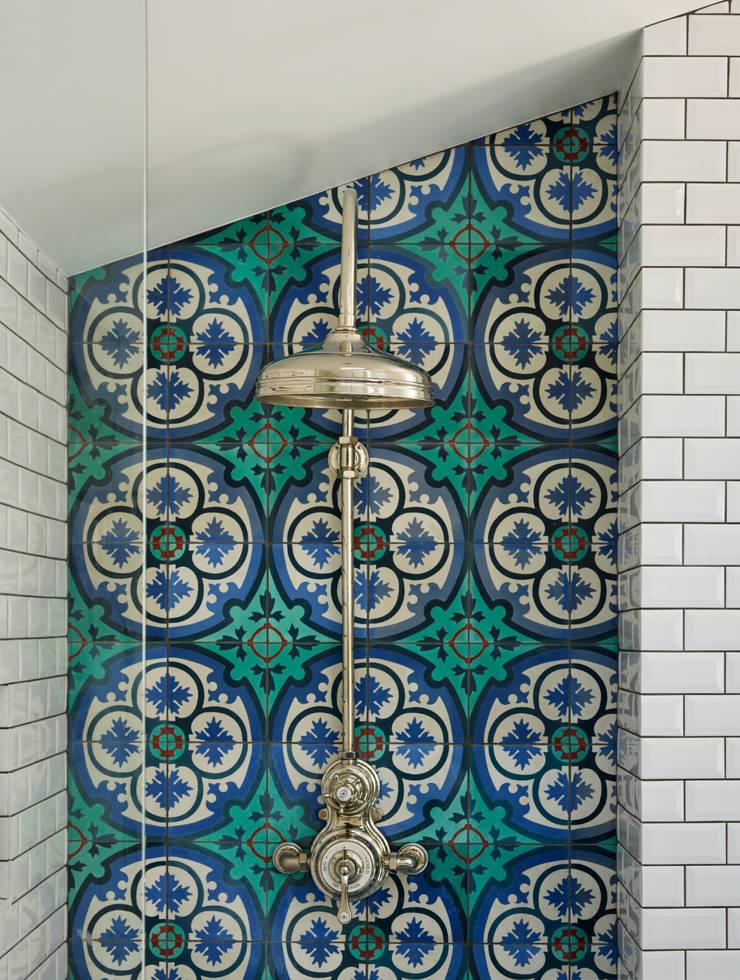 Victorian Terrace House, South-West London: scandinavian Bathroom by Drummonds Bathrooms