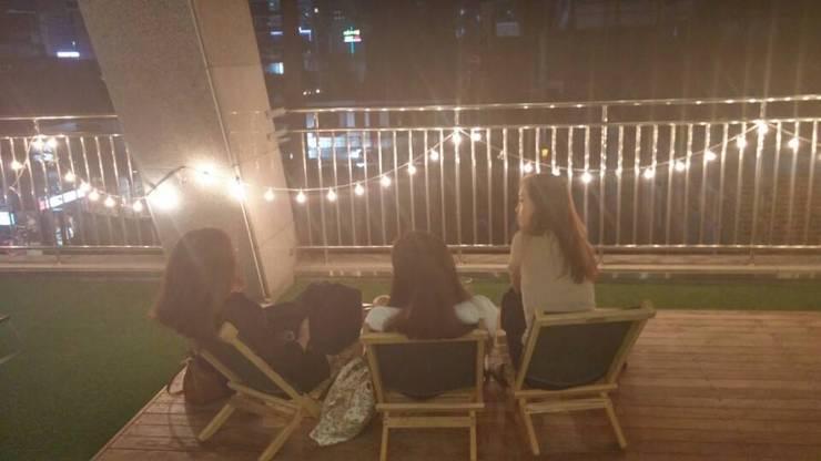 청춘문화쌀롱: 청춘문화싸롱의  실내 정원
