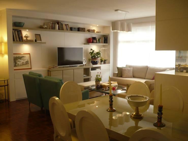 ESTAR APARTAMENTO | BELA VISTA: Sala de estar  por Ana Levy | Arquitetura + Interiores