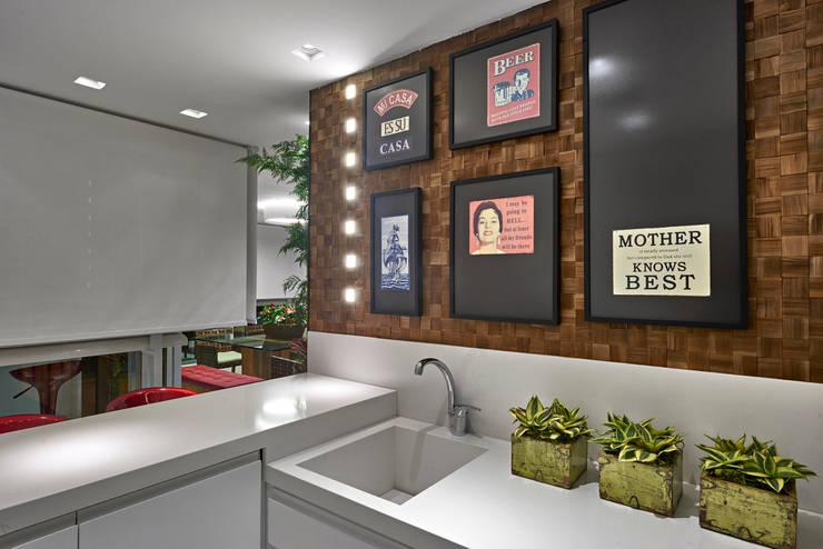 Cocinas de estilo  de Isabela Canaan Arquitetos e Associados, Moderno