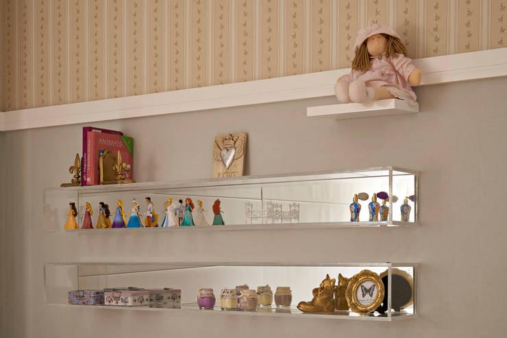 Apartamento GL: Quarto infantil  por Isabela Canaan Arquitetos e Associados
