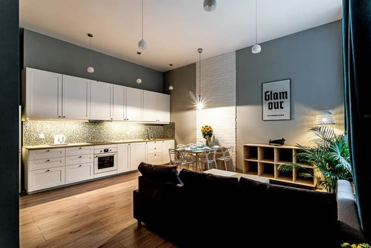 Mieszkanie z lustrem: styl , w kategorii Kuchnia zaprojektowany przez Finchstudio