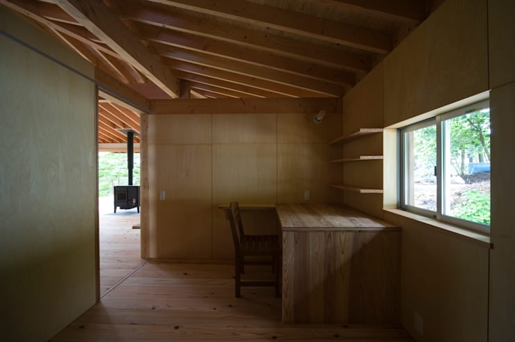 那須の家: FuruichiKumiko ArchitectureDesignOfficeが手掛けた寝室です。,
