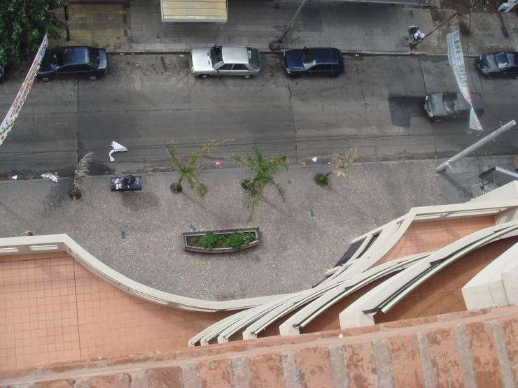 Edificio <q>Del Centenario</q>: Terrazas de estilo  por Arquitecto Oscar Alvarez,Moderno