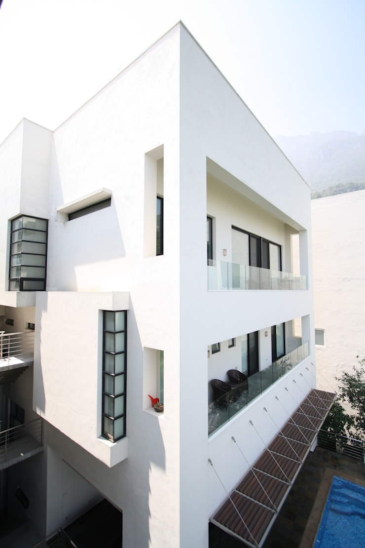 Balcones: Casas de estilo  por ODICSA