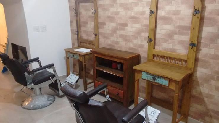 Penteadeira Sob Medida para Barbearia : Escritório e loja  por O Quintal do Vovô