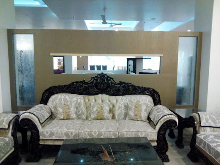 Interior Park Showroom in Kirti Nagar, Delhi: country Living room by Decor At Door