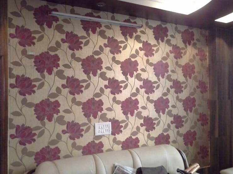 Floral Patterns:  Living room by Decor At Door