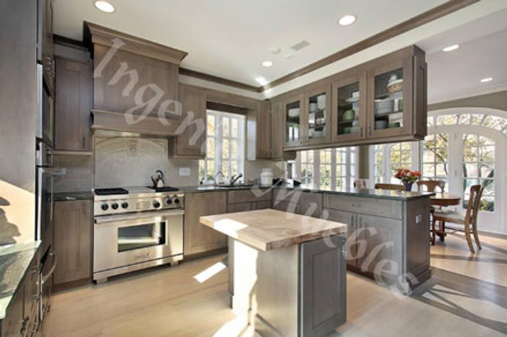 Cocinas de estilo moderno por Ingenio muebles