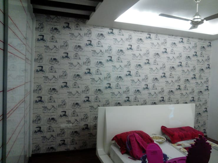 Residential:  Bedroom by Decor At Door