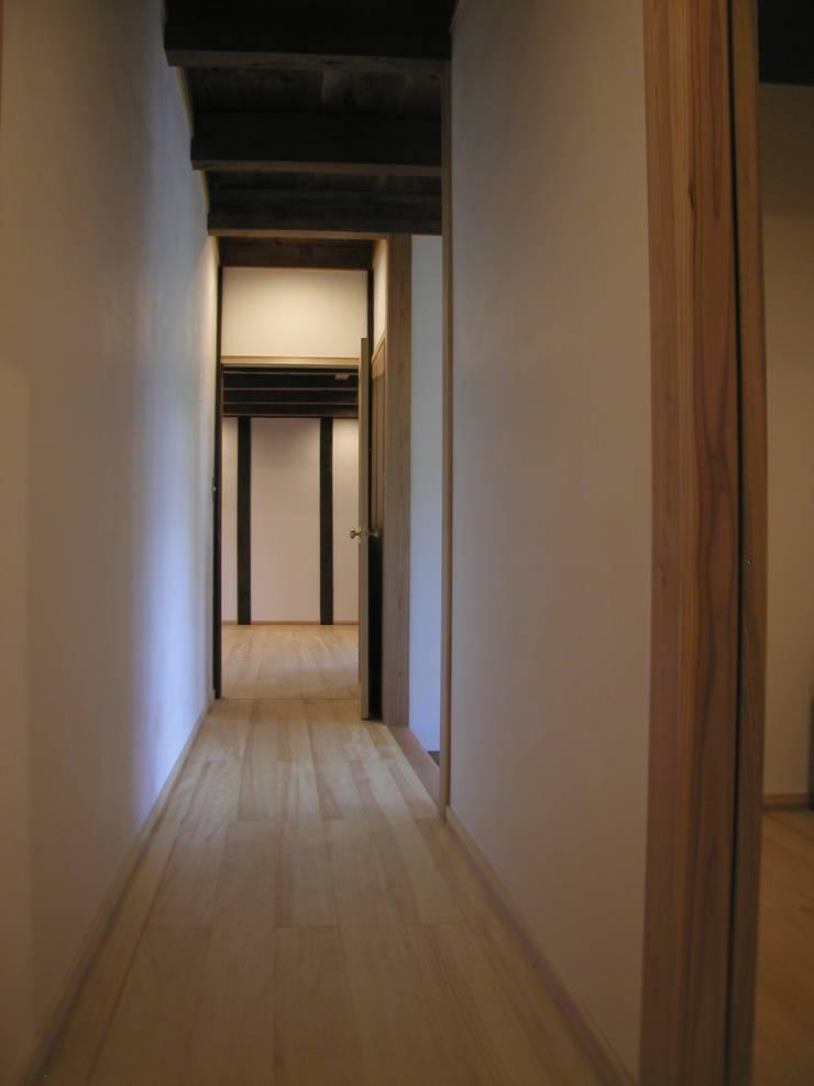 K家 土蔵の再生 オリジナルスタイルの 玄関&廊下&階段 の 池内建築図案室 オリジナル