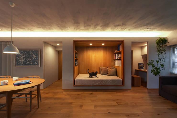 Спальни в . Автор – Nobuyoshi Hayashi