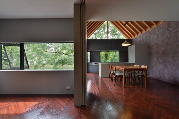 守山の家: Nobuyoshi Hayashiが手掛けたキッチンです。