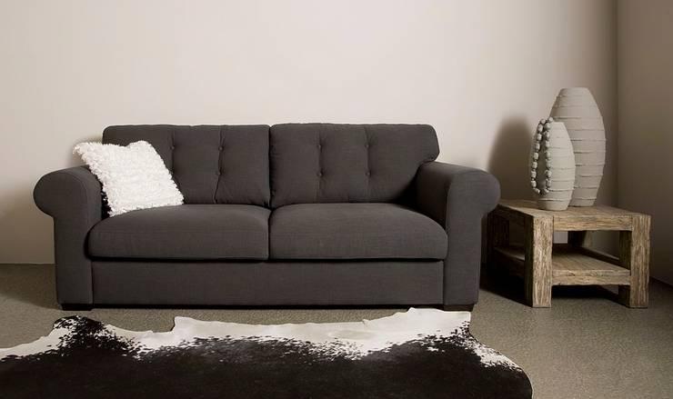 Merlin 2 zits sofa - UrbanSofa:   door UrbanSofa, Landelijk
