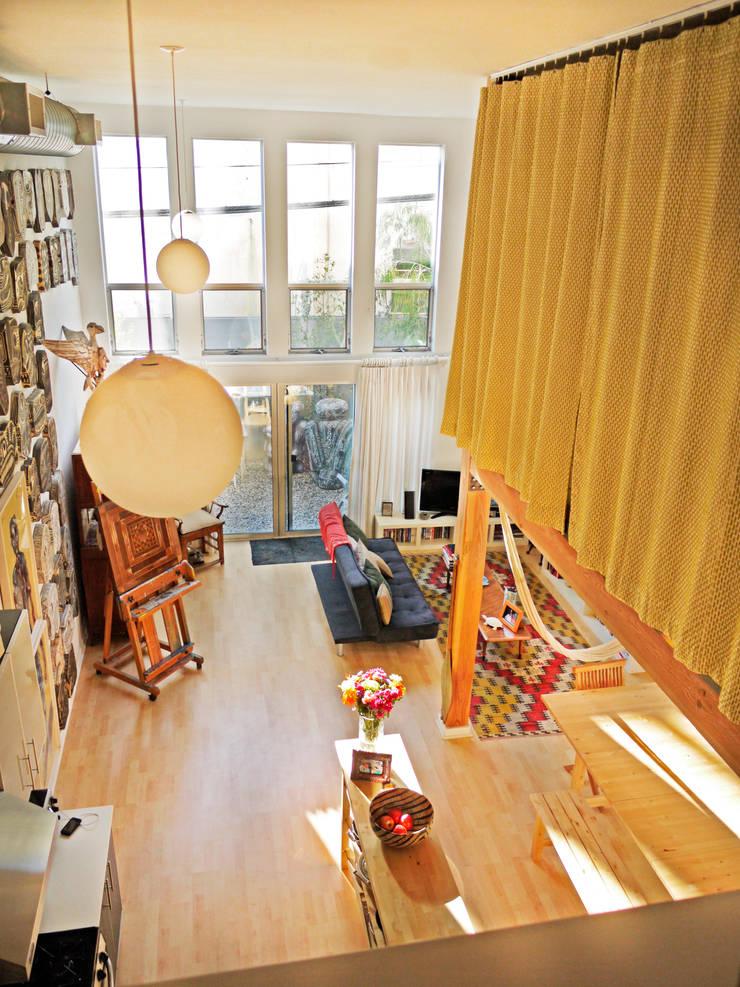 Loft LA: Salas de estilo  por Juan Carlos Loyo Arquitectura