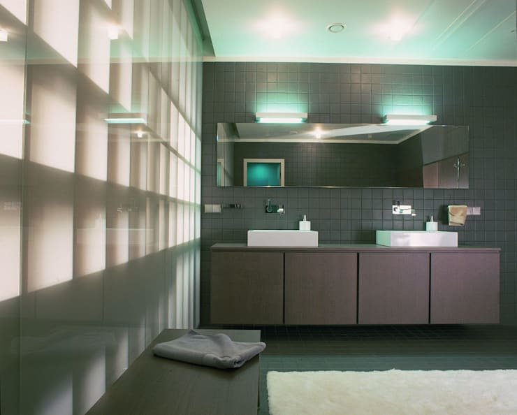 Квартира в ЖК Новая звезда: Ванные комнаты в . Автор – ASASH