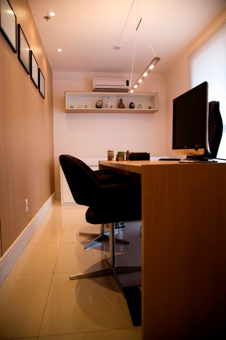 Consultório Médico SALA DE ATENDIMENTO: Clínicas  por Marcia Debski Ferreira Designer de Interiores,